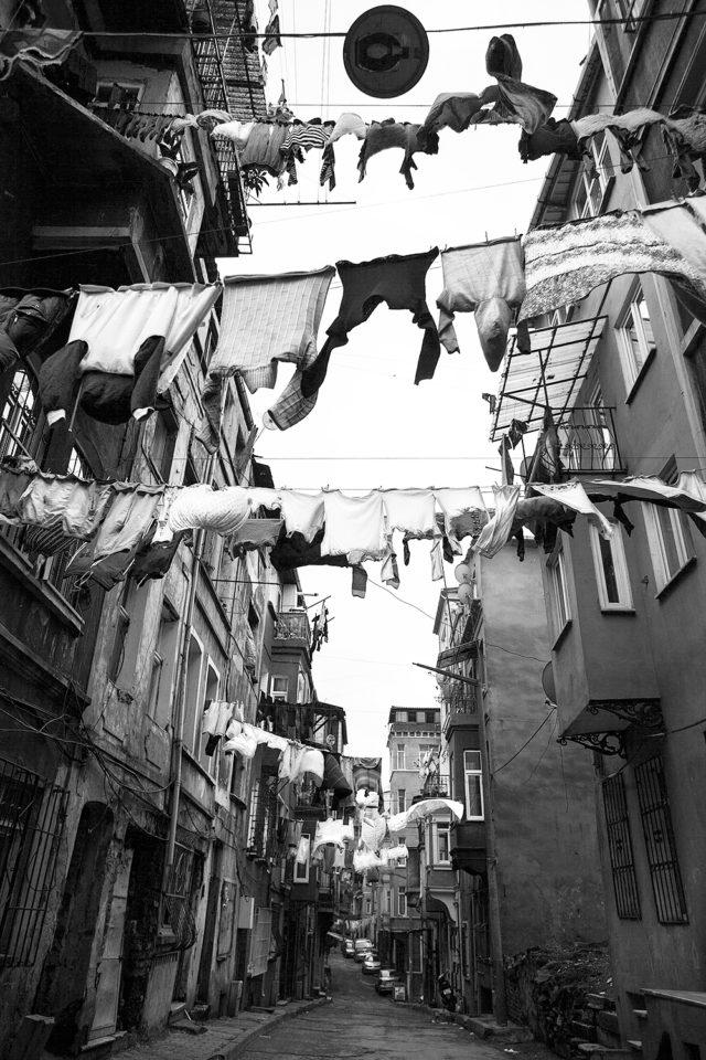 their Hills Hoist, Istanbul [b&w]